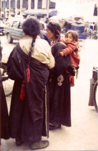 Hjælp os at hjælpe tibetanske flygtninge og tibetanere i Tibet